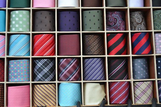 Krawat w prezencie na 18 urodziny dla kolegi