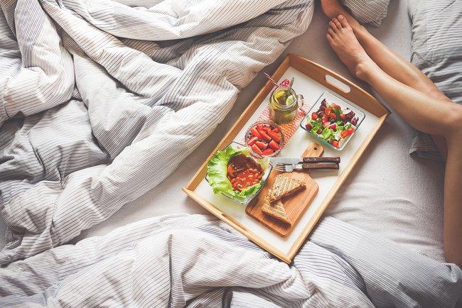 Śniadanie do łóżka w prezencie na 50 urodziny dla żony