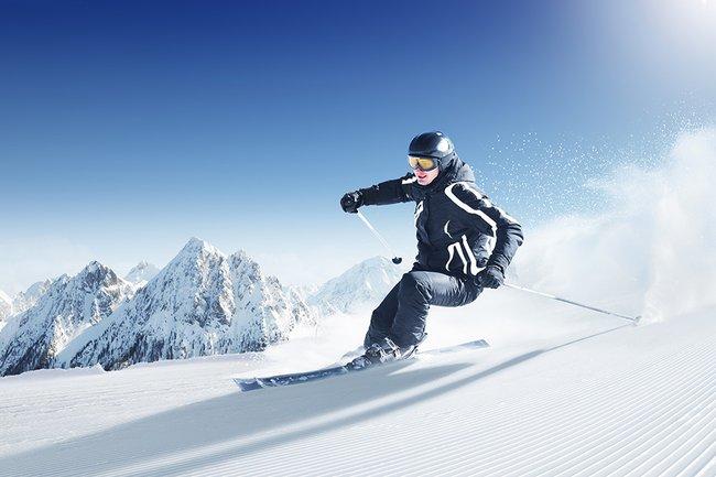 Jazda na nartach.