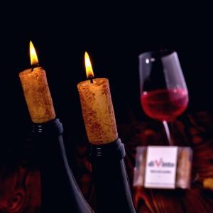 świeczki w kształcie korka