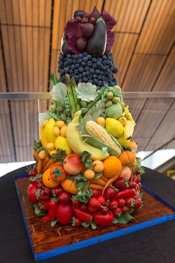 Niesamowite_torty_na_kazda_okazje_tort_dla_lasucha_owocowo_warzywny_tort