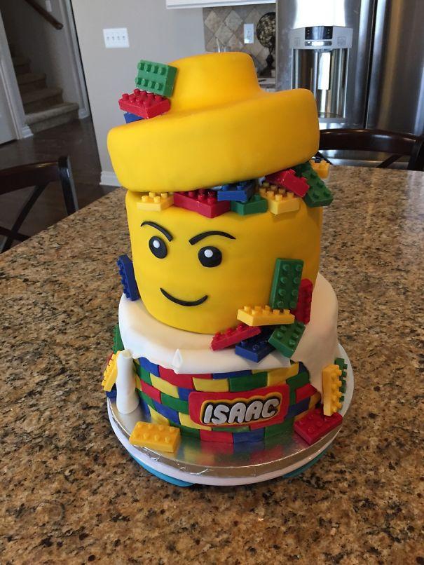 Niesamowite_torty_na_kazda_okazje_urodzinowy_tort_lego