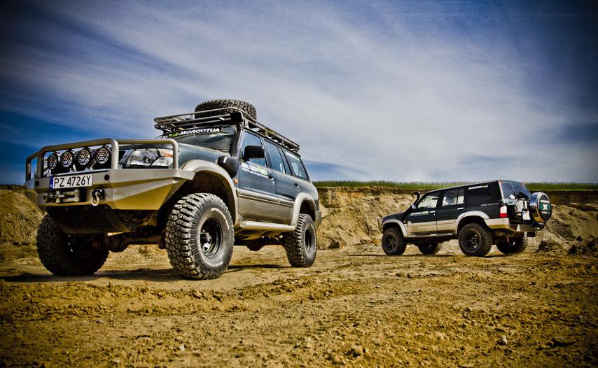 Off_road_prezent_dla_fana_motoryzacji_dwa_samochody