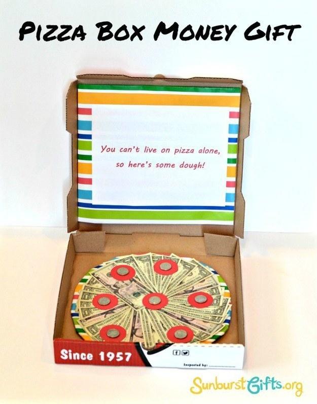 oryginalne_pomysly_jak_wreczyc_pieniadze_banknoty_pizza
