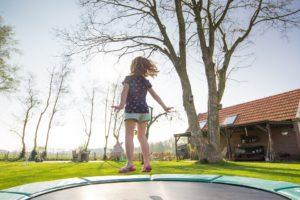 trampolina na Dzień Dziecka