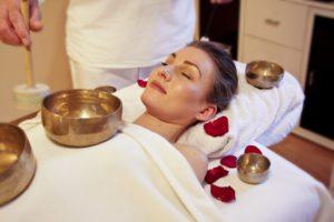 masaż misami i gongami