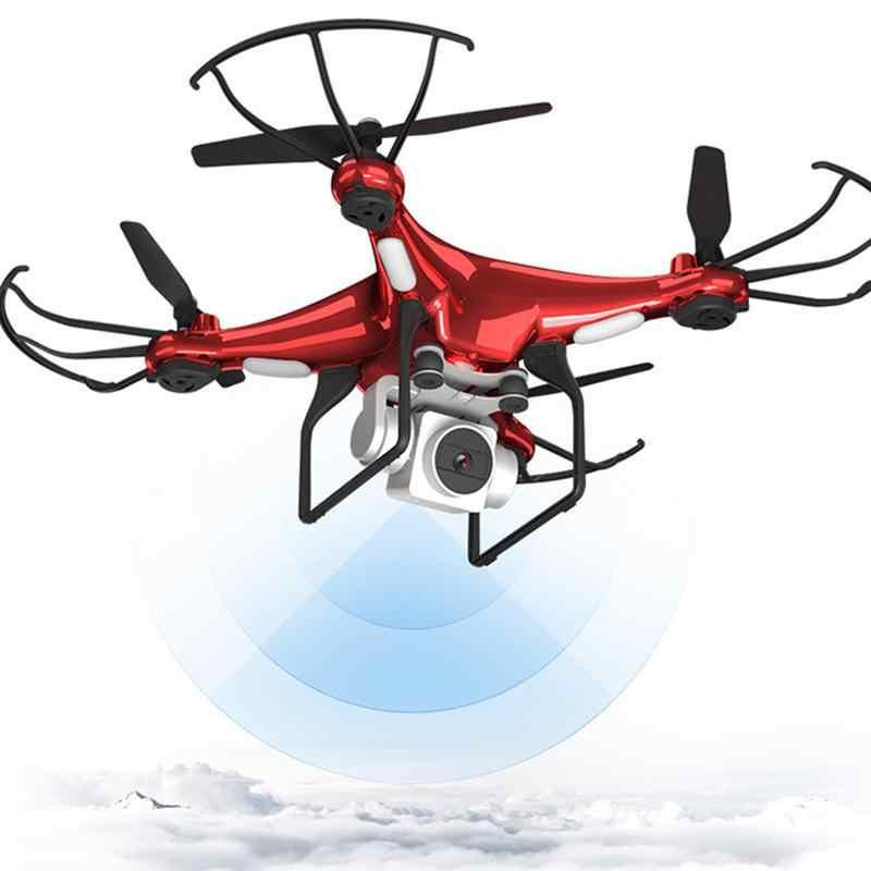 Prezent na 18 urodziny od chrzestnej: dron z kamerą